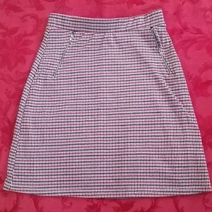 Super cute mini skirt in microplaid